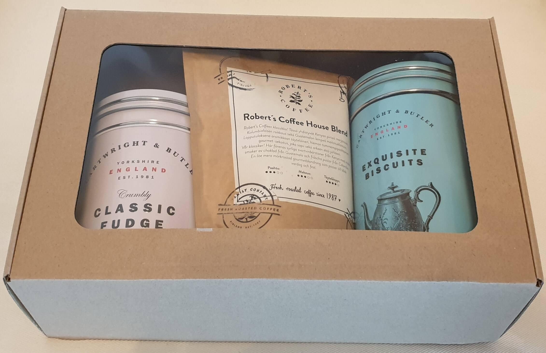 Valmiit lahjapakkaukset - Robert`s coffee kahvi, Perinteinen Fudge ja Keksit suklaapaloilla