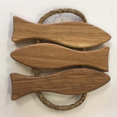 Koti ja keittiö - Tammesta valmistettu kala pannunalunen